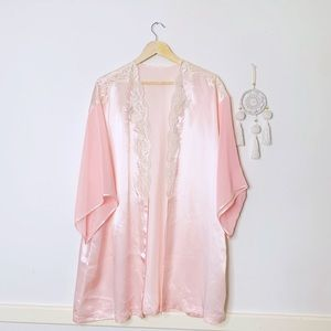 VINTAGE KIMONO beaded embroidered baby pink L